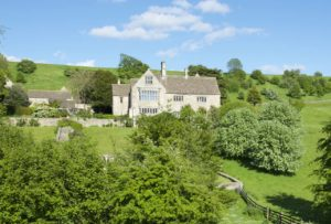 Find the perfect place to live in the Cotswolds