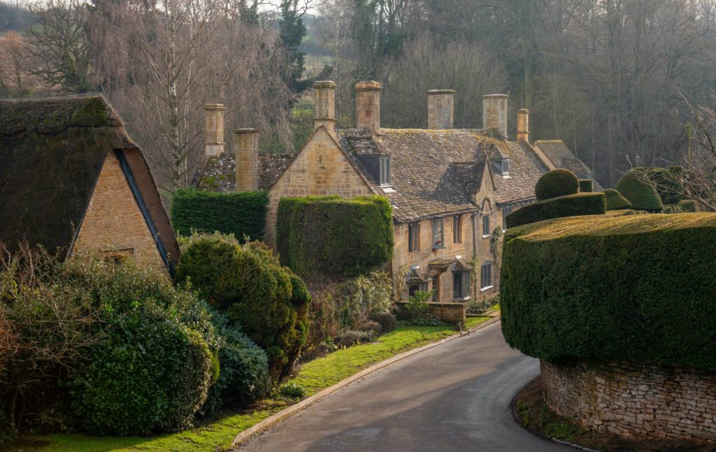 Pretty villages and sightseeing in the Cotswolds